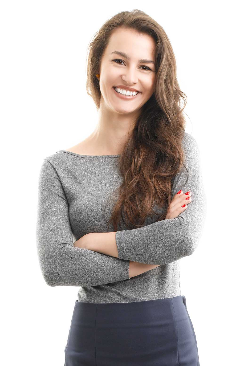 Lady with arms crossed smiling